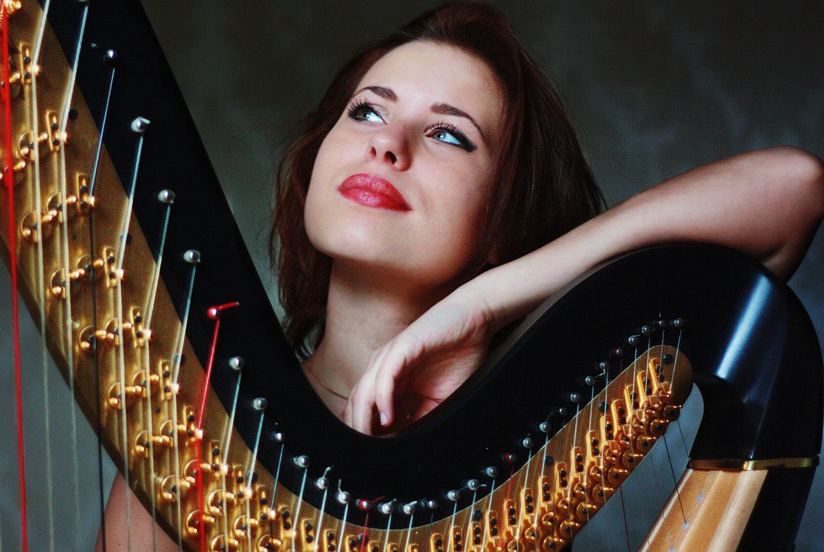 Female Solo Harpist For Hire