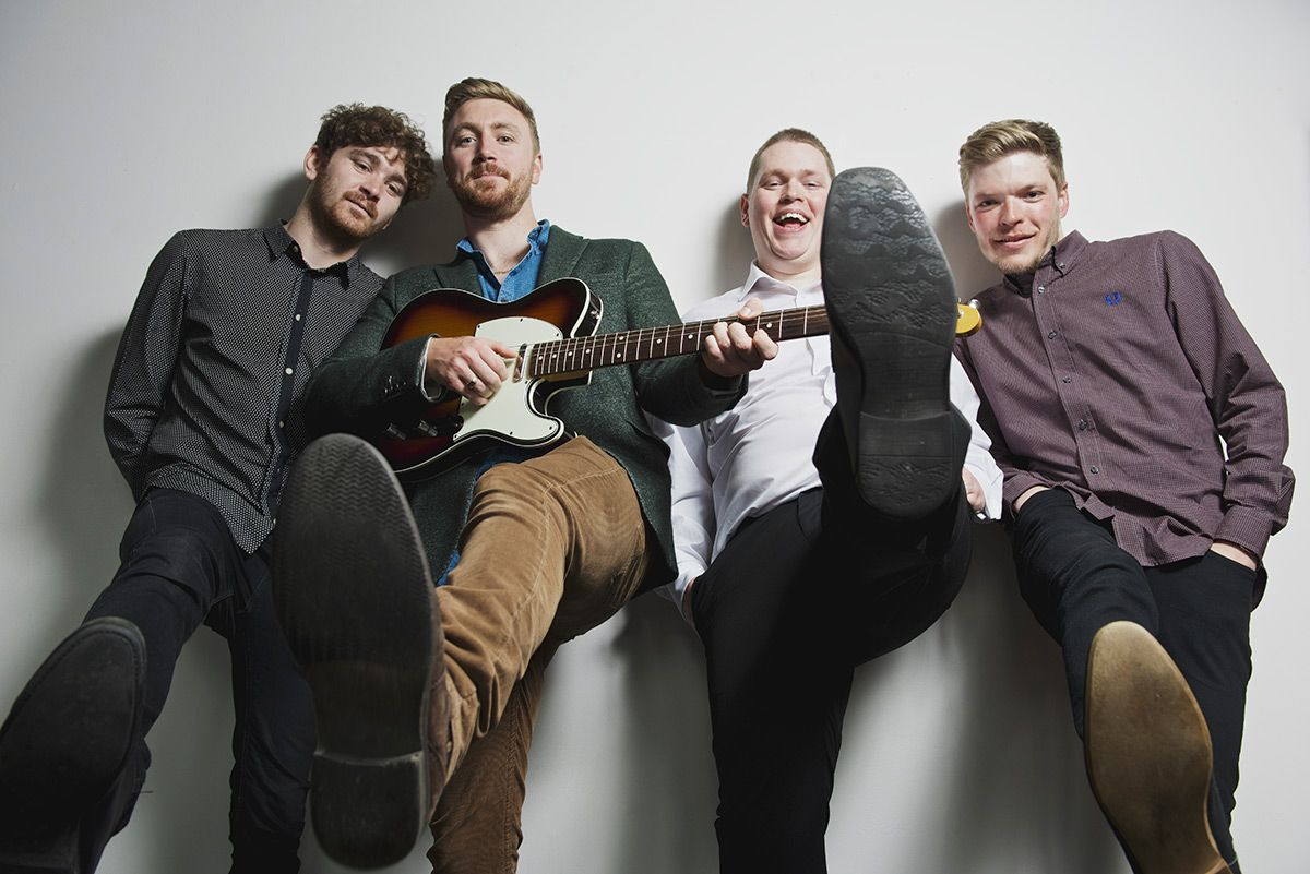 Liverpool Cover Band For Hire   King of The Junction